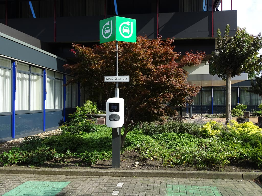 Oplaadpaal Elektrische Auto's Geplaatst